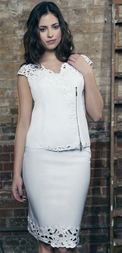 White top and skirt with chunky zip